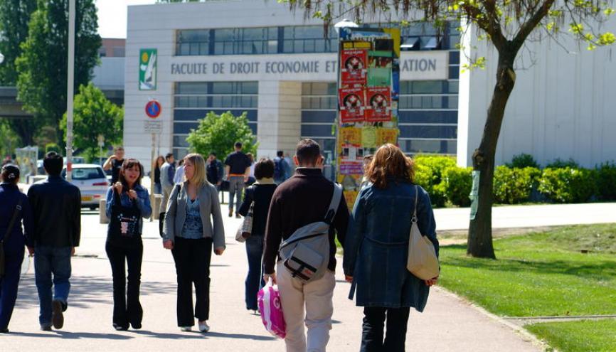 L'UFR droit economie et administration de l'Université de Lorraine sur le campus du Saulcy, à Metz. //©Alex Herail