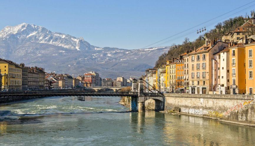 Grenoble est l'une des villes françaises les plus prisées des étudiants. //©Francois HENRY/REA