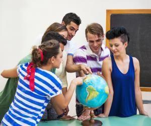 Voici les pays qui attirent le plus d'étudiants français.