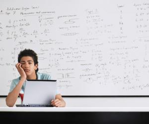 Les enquêtes internationales le prouvent : les collégiens et lycéens français boudent les maths.