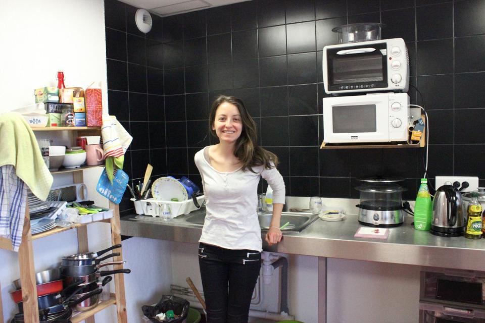 D'une surface de 18m2, la cuisine a été meublée par chacun des locataires. //©Delphine Dauvergne