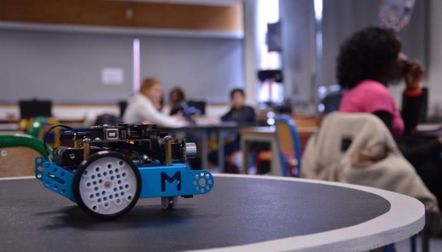 Le robot-sumo programmé par les élèves de 3e. //©erwin canard