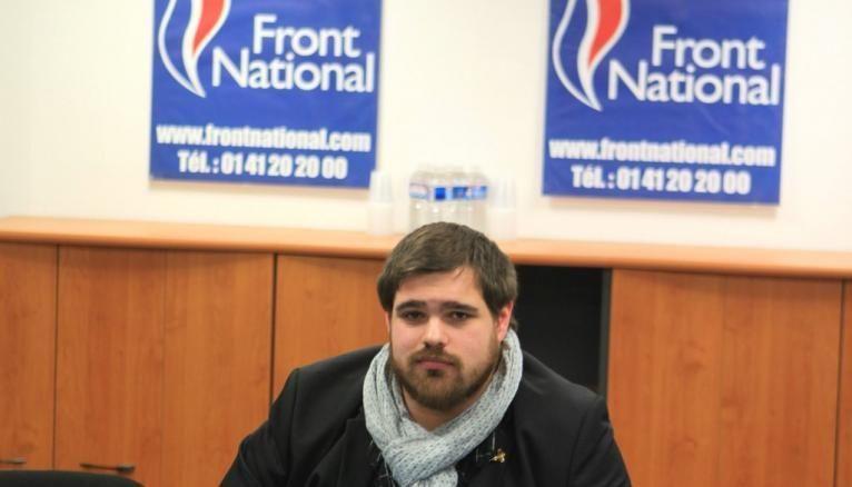 Alexandre milite pour la candidate FN Marine Le Pen lors de la campagne présidentielle 2017.