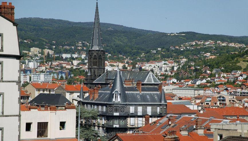 Au cœur de l'Auvergne, Clermont-Ferrand accueille quelque 30.000 étudiants dans ses deux universités. //©Phovoir