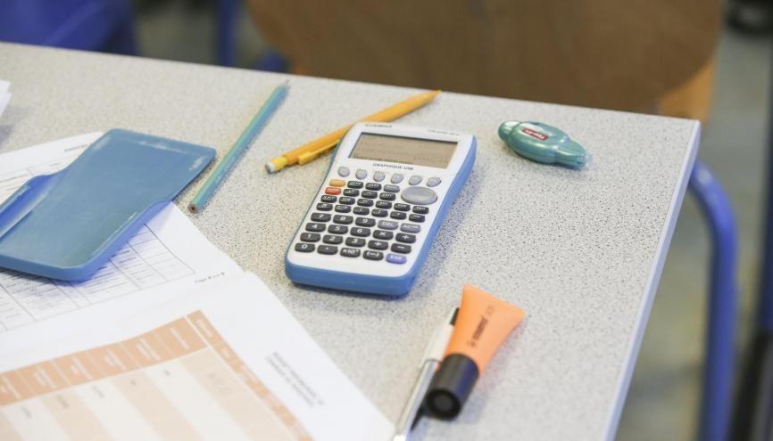 Rentrer tout son cours sur sa calculatrice pour le bac : un mauvais calcul. //©Nicolas Tavernier/REA