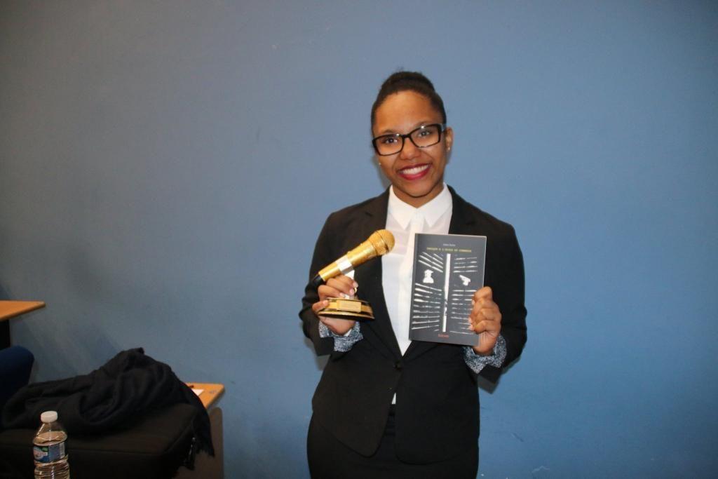 Océane, étudiante au sein du Bachelor Business de La Rochelle Business School, a remporté le Public Speaking Challenge 2017 de l'école. //©Sup de Co La Rochelle