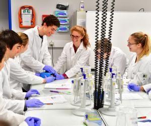 L'École de Biologie Industrielle propose un MS en management de la qualité, risques et validation process.