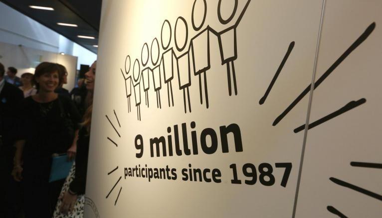 Depuis sa création il y a 31 ans, le programme Erasmus a bénéficié à 9 millions de personnes. Un sacré réseau d'alumnis !