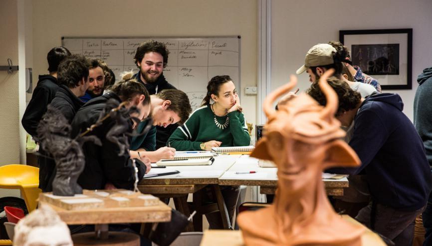 ArtFX est une école spécialisée dans les effets numériques. Mais avant de passer au travail sur ordinateur, les élèves se forment au dessin. //©David Richard/Transit pour l'Etudiant