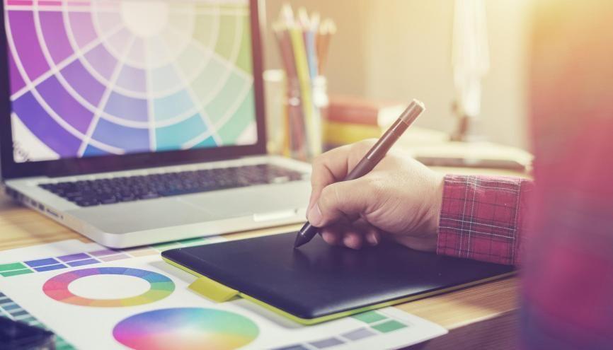 Les diplômés en design numérique ne connaissent pas le chômage après leurs études. //©Adobe Stock / Have a nice day