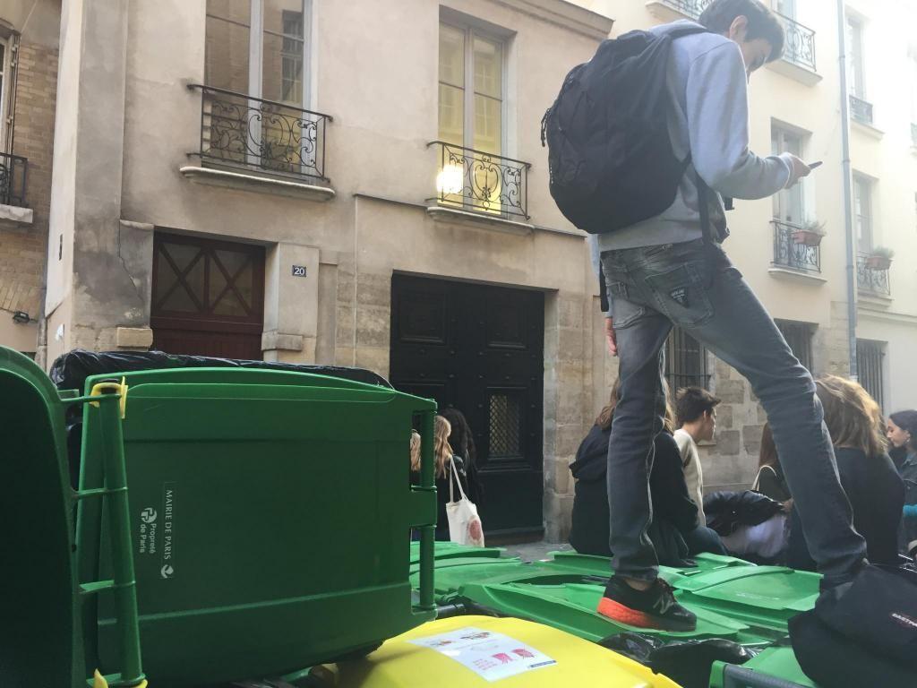 Blocage du lycée Fénelon à Paris, jeudi 21 septembre 2017 //©Laura Taillandier