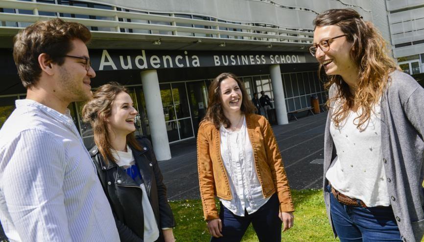 Les alumni d'Audencia affirment leur satisfaction en notant 4,5 (sur 5) la préparation à la vie professionnelle. //©Frédéric Senard / Audencia Business School