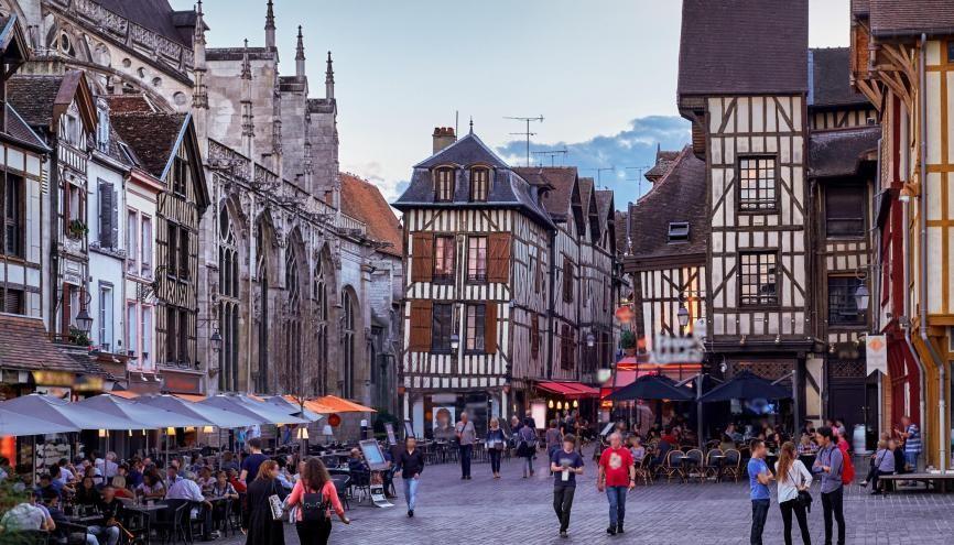 En 20 ans, le nombre d'étudiants à Troyes est passé de 3.000 à 11.000. //©Adobe Stock/sergiyzinko