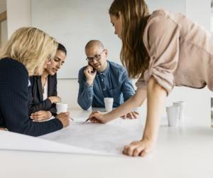 Faire son master en alternance, un bon moyen pour faire ses preuves dans l'entreprise.