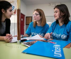Apprendre à parler en public, mettre en œuvre des projets… s'engager dans la vie de son lycée est également formateur, comme pour ces ambassadrices de l'UNICEF.