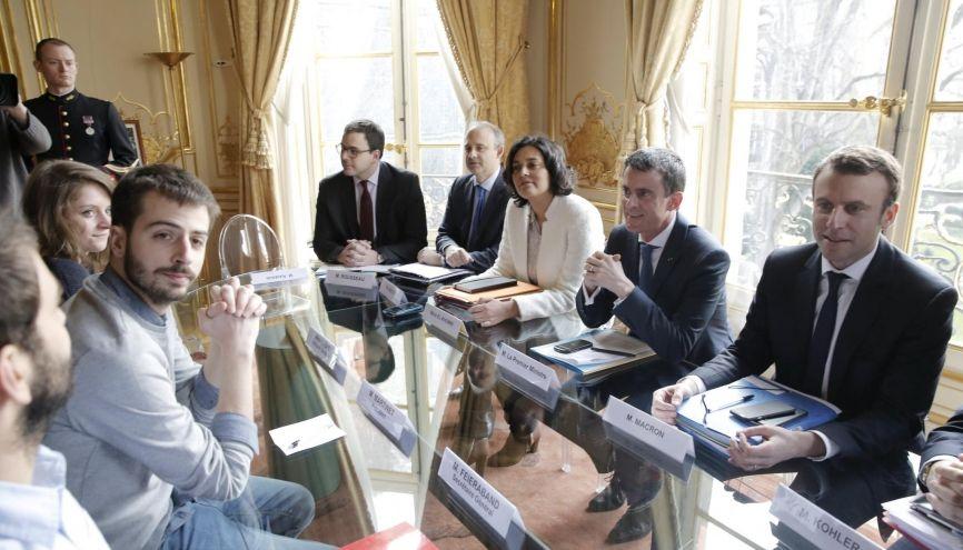 La délégation de l'UNEF reçue à Matignon par le Premier ministre, le vendredi 11 mars 2016. //©Nicolas TAVERNIER/REA