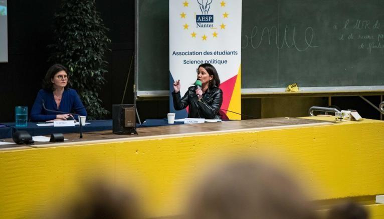 À l'université de Nantes, les étudiants ont pu débattre avec des candidates aux municipales parmi lesquelles était présente la maire sortante, Johanna Rolland.