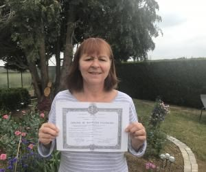 Grâce à l'obtention de son bac, Véronique Pelegris a pu passer des concours, suivre des études et devenir infirmière psychiatrique.