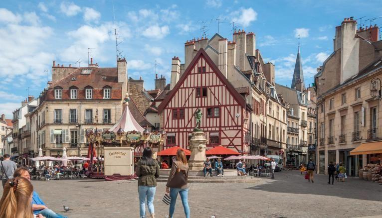 Dijon, préfecture de la région Bourgogne-Franche-Comté, attire les étudiants.