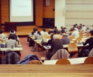 L'université propose des cursus variés accessibles après le bac.