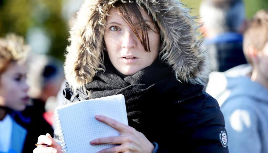 """Après plusieurs expériences dans des rédactions locales, Virginie a réalisé son rêve : devenir journaliste sportive """"fixe"""". //©Xavier Bonny"""