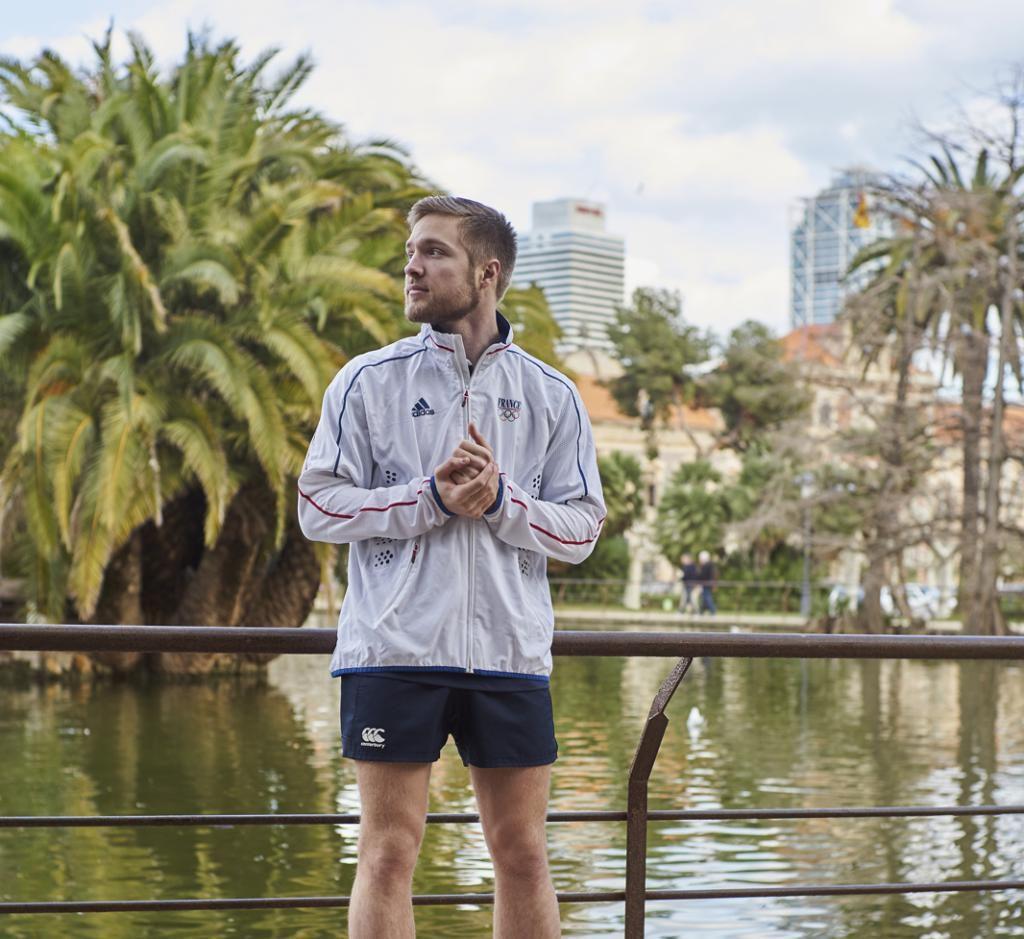 Yann, qui est rugbyman, a laissé le temps du séjour son maillot pour chausser les baskets. //©Joan Villaplana Casaponsa pour l'Etudiant