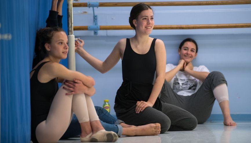 Rose, 15 ans, seconde TMD (techniques de la danse et la musique) au lycée Saint-Exupéry à Lyon. //©Olivier GUERRIN pour L'Étudiant