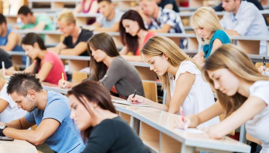 En 2019, 5.580 lycéens boursiers supplémentaires ont intégré le supérieur. //©iStock/Skynesher