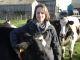 Noémie, 23 ans, salariée agricole dans une ferme laitière bio en Loire-Atlantique, a commencé sa carrière comme cowgirl en Californie. //©ANEFA