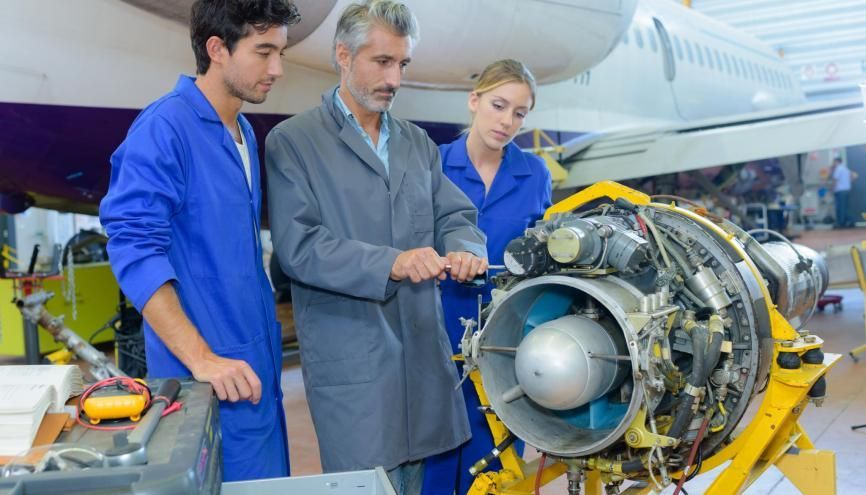 L'aéronautique offre de très nombreux débouchés dans la région Occitanie. //©auremar / Adobe Stock