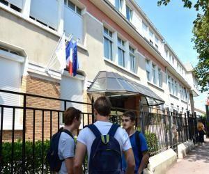 La rentrée en première au lycée Condorcet de Saint-Maur-des-Fossés (94).