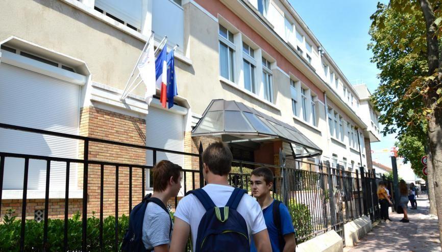 La rentrée en première au lycée Condorcet de Saint-Maur-des-Fossés (94). //©erwin canard