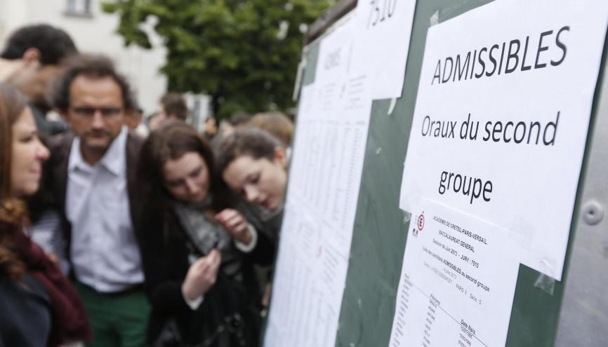Soyez optimiste : 70 % des candidats qui passent le bac au rattrapage l'obtiennent ! //©Nicolas TAVERNIER/REA - Sebastien ORTOLA/REA