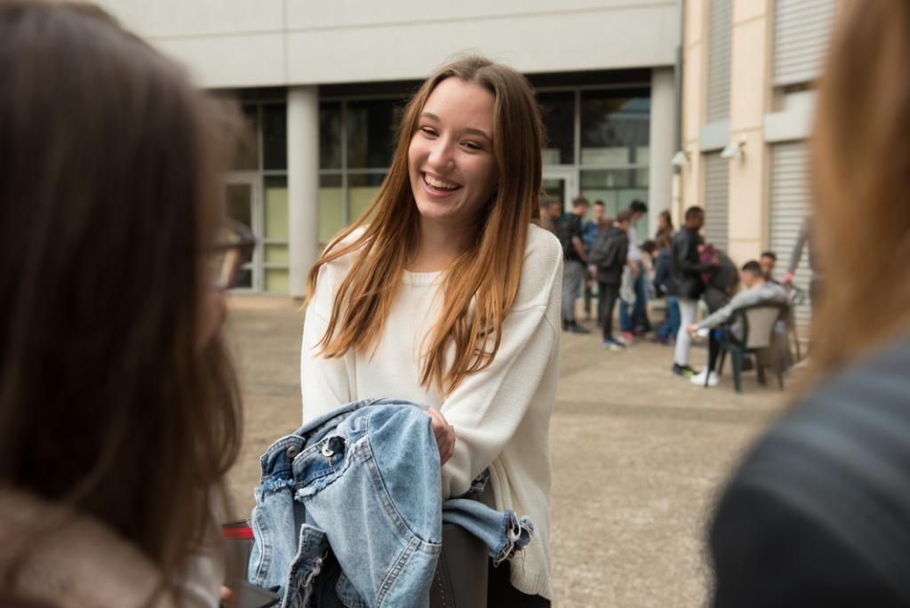 Juliette retrouve le sourire après une seconde générale difficile. Elle ne regrette pas sa réorientation.  //©Olivier GUERRIN pour L'Étudiant