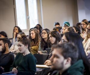 Combien gagneront ces étudiants en master d'étude du développement de l'université Paris 1 ?