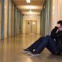 couloir-lycee-reflexion-solitude-maximes-photographie