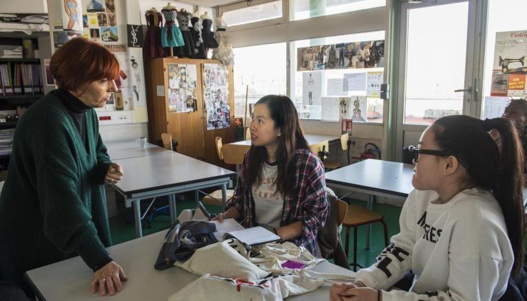 Visites d'exposition, de musées, participation à des concours et compétitions… Marie-Christine doit aussi enrichir ses connaissances en dehors du lycée.