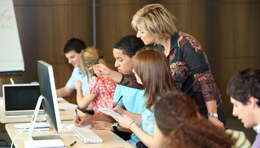 Des dispositifs d'accompagnement des étudiants ont été mis en place par les établissements du supérieur pour favoriser l'ouverture à tous les étudiants. //©Auremar/Adobe stock