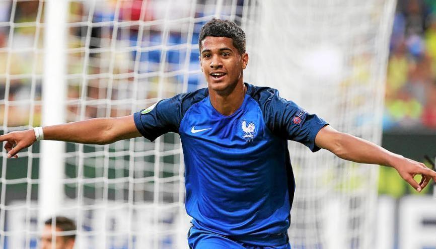Belle année pour Ludovic Blast qui finit champion d'Europe des moins de 19 ans. //©Daniel Roland / AFP