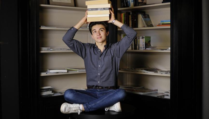A 16 ans, Guillaume a déjà acquis une grande culture littéraire. //©Florence Brochoire / Signatures pour l'Étudiant