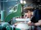 Alexandre a intégré laManufacture nationale de Sèvres après un BMA (brevet des métiers d'arts) céramique. //©Florence Levillain/Signatures pour l'Etudiant