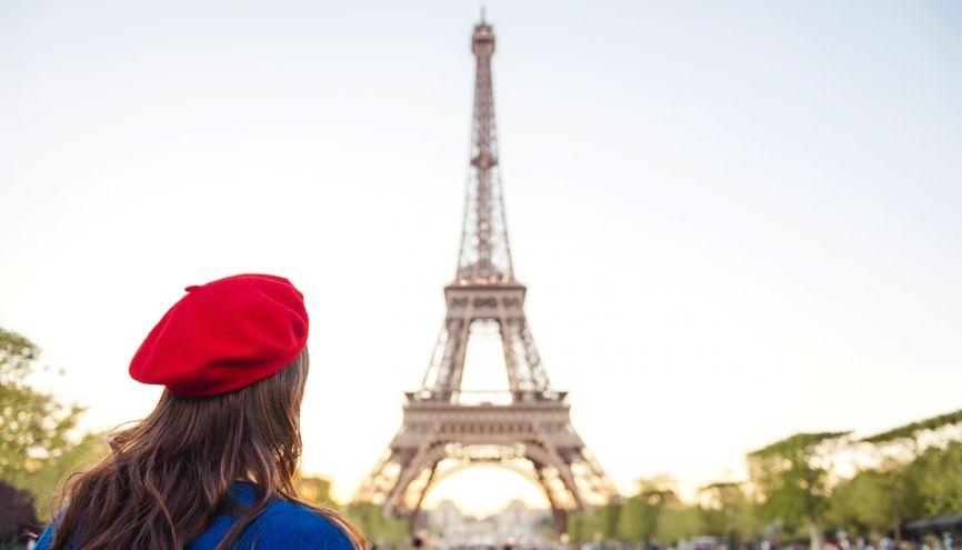 Comme Sophie, si vous voulez gagner un peu d'argent pendant vos études et améliorer vos langues, lancez-vous comme guide touristique. //©Gemma Ferrando/ Westend61/ Plainpicture