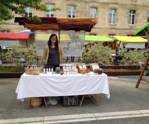 Pauline, 30 ans, vit désormais de sa passion avec son exploitation de plantes aromatiques.