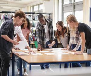 En DUT, on privilégie les travaux en petits groupes, et les projets d'équipe.