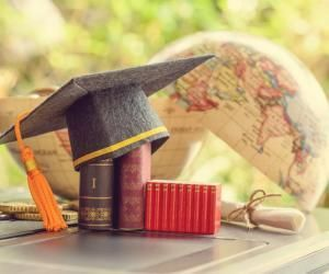 """Vous hésitez entre plusieurs établissements, et pourquoi ne pas miser sur une """"jeune"""" université ?"""