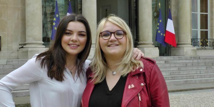 """Clara Marz et Lola Dubini, youtubeuses : """"Si vous êtes témoins de harcèlement, intervenez : vous pouvez sauver des gens."""""""