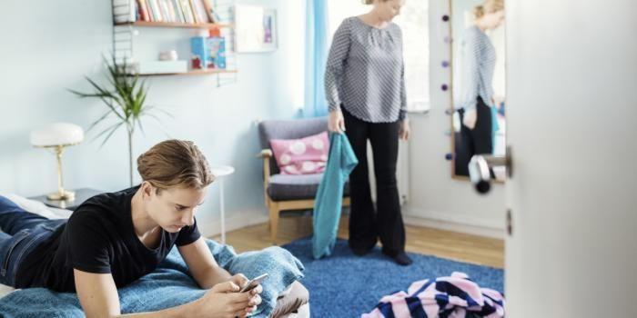 Il n'y a pas que des inconvénients à vivre chez vos parents, mais attention de ne pas en abuser !