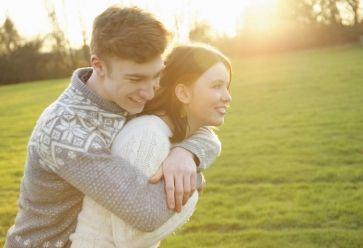Pas d'âge pour être heureux en couple... //©PlainPicture