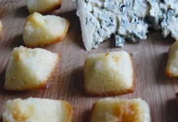 Financiers au bleu d'AuvergneStudent Food //©