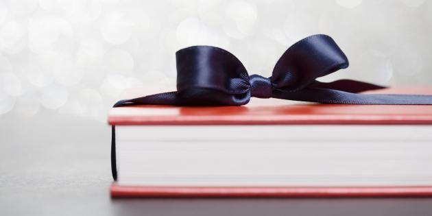 À offrir ou juste à lire, voici notre sélection de books pour Noël. //©PlainPicture